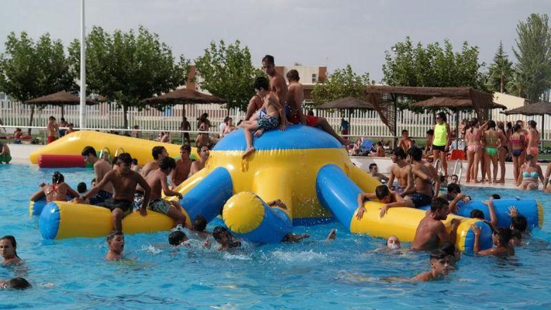 El 30 de junio tendr lugar la primera fiesta del agua del for Piscina don benito